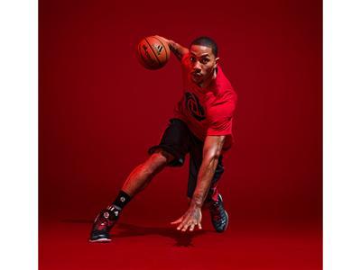 adidas e Derrick Rose lanciano la nuova scarpa da basket e la linea di abbigliamento D Rose 4