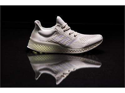 аdidas разрушает стереотипы, представляя кроссовки, напечатанные на 3D принтере