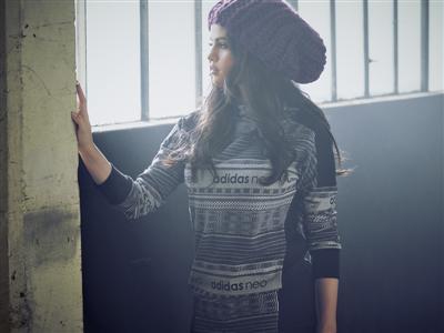NEO FW15 Selena Gomez Q4 2