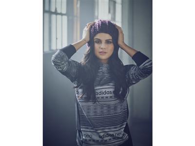 NEO FW15 Selena Gomez Q4 3
