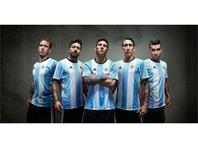 adidas presenta la nueva camiseta de la Selección Argentina