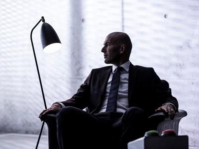 """Zinedine Zidane premiază starurile adidas din seria """"Firsts"""" în timpul finalelor UEFA EURO 2016"""