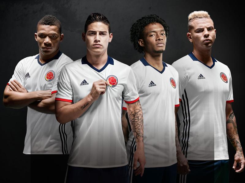Copa America Jugadores 4 Blanco 30X20CM