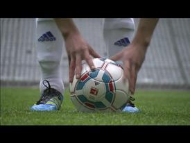 """Der neue Ligaball """"Torfabrik"""""""