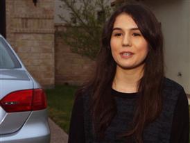 Tania Monsivais, Adolescente que acaba de obtener su licencia (SOT Español)