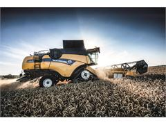 New Holland CX Series takes super conventional combining to the next level of comfort, grain quality, capacity and versatility