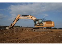 Fred Champion Groundworks expands its fleet of CASE excavators