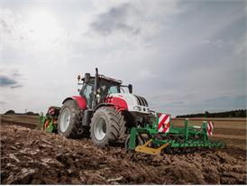 Steyr 6185 CVT Seedbed Preparation 01