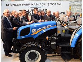 CNH Industrial CEO Richard Tobin (far left) and Chairman of the Board of Koç Holding, Mustafa V. Koç (third from right)