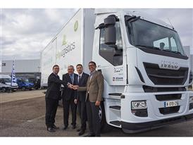 Representatives from Iveco & CityLogistics with Stralis Hi-Road Natural Power, 1000th natural gas vehicle sold in France