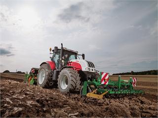 STEYR ISOBUS Class III: Next level data exchange between tractor and implement