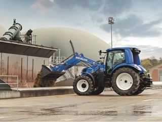 New Holland T6 Methane Power tractor prototype makes a statement at SIMA 2017