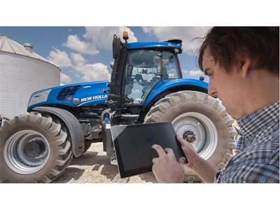 The portable tablet interface enables the user to start the machine and send it on its task autonomously