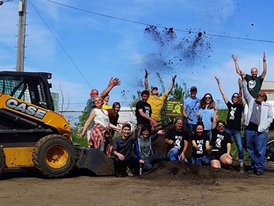 CASE and CNH Industrial Donate Equipment for 2017 Victory Garden Blitz in Milwaukee, Wis.