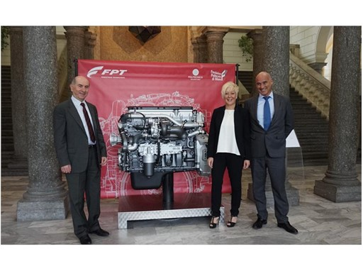 Annalisa Stupenengo, FPT Industrial Brand President together with representatives from Politecnico di Milano
