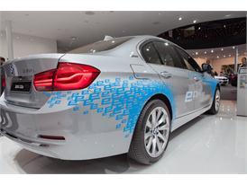 Continental at IAA 2015 BMW 330e 1 01