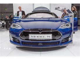 Continental at IAA 2015 Tesla S 1 01