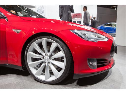 Continental at IAA 2015 Tesla S 3 01