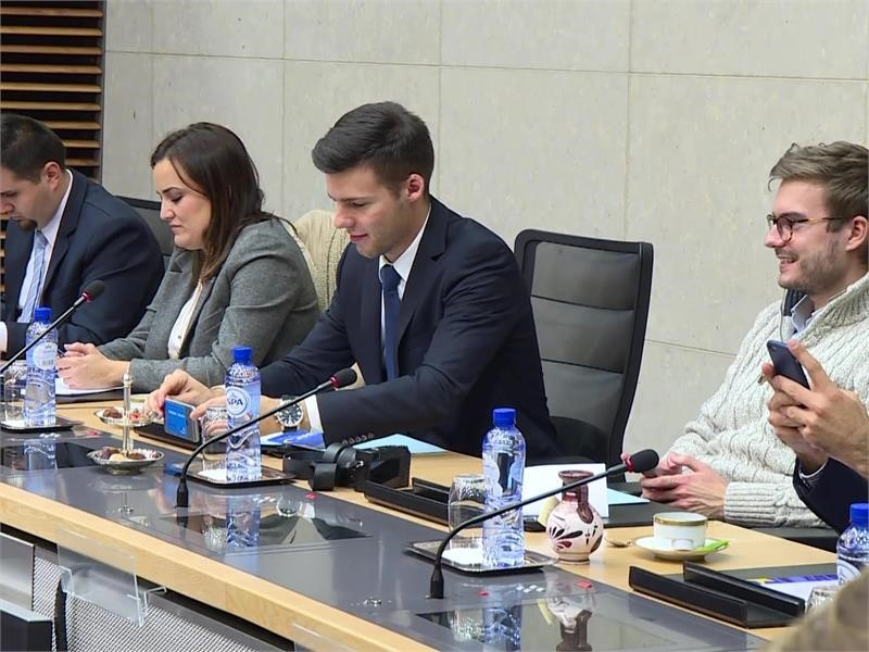 EPP TV Newsroom : Young EPP Members Discuss Future of Europe