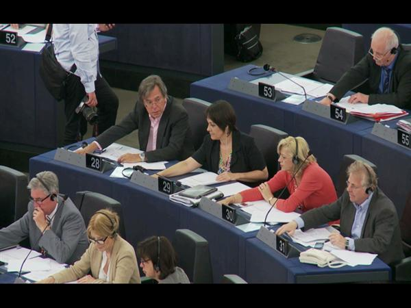 """Asylum: MEPs Vote to End """"Lottery"""" for Refugees"""