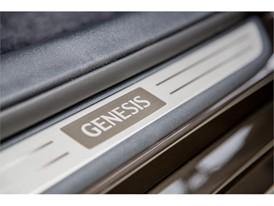 2017 Genesis G90 59