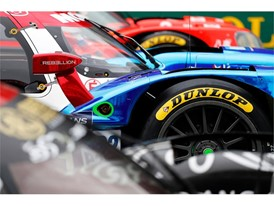 Vaillante Rebellion amongst the Dunlop LMP2s