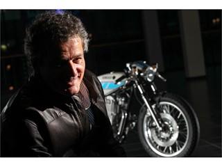 """'More than a motorcycle, a work of art' . Dunlop chosen as partner for exclusive handbuilt Krugger  """" Yardbuilt"""" SR400."""