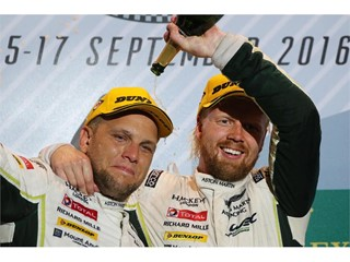FIA World Endurance wins for Dunlop partners Alpine and Aston Martin in Texas heat
