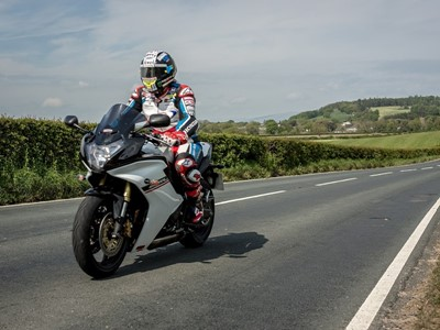 John McGuinness Chooses Dunlop's Ultimate RoadTrip Testers