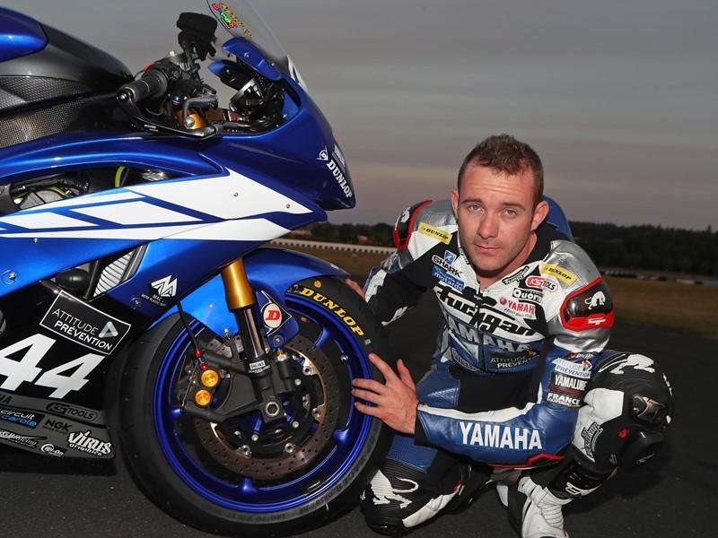 Goodyear Newsroom : Il nuovo pneumatico Dunlop <b>GP Racer</b> D212 ...