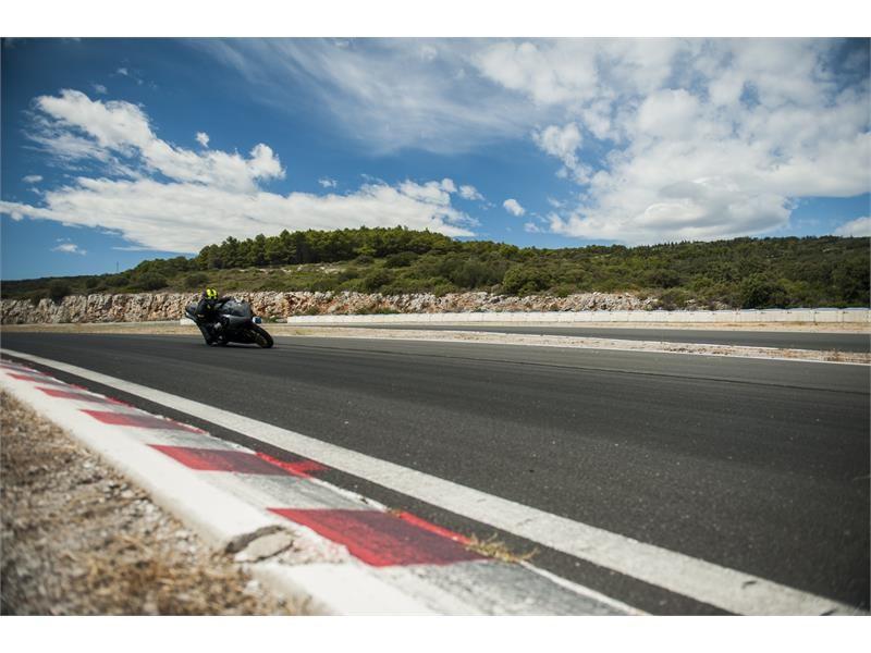 Goodyear Newsroom : I test di Dunlop <b>SportSmart2 Max</b> ...