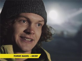 Dunlop Ski Jump - Interview with Skier (ES)