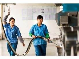 Jingjing Song and Guangyi Shen works in the winding process at SHA Different