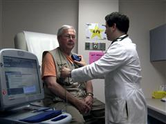 Implantable Defibrillators Underused Among Older Patients After Heart Attack