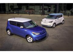 Soul EV Lights Up 2014 Chicago Auto Show