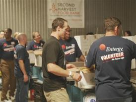 Drew Brees volunteering at food pantry for Super Service Challenge B-Roll