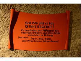 Schild im Felsenkeller - Rezept der Bayern
