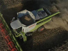 CLAAS LEXION 700: Drone images