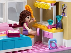New Video Available - Successful Launch of LEGO® Friends Contributes to an Exceptional Interim Report for the LEGO Group