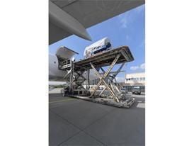 LHT-Triebwerkstand-30x40cm-JMai 2631