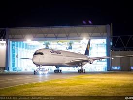 A350-900 MSN074 DLH Rolls Out