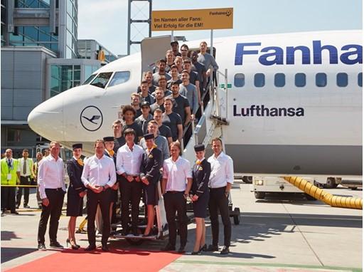 German football team boarding Fanhansa