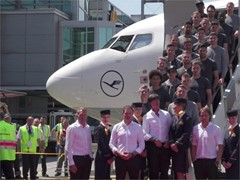 German football team takes off with Fanhansa