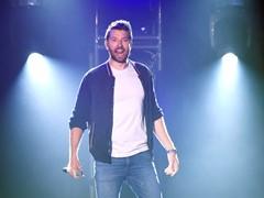 Brett Eldredge Pops Up in Las Vegas for CMT Instant Jam