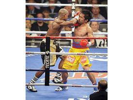 Mayweather gets a shot 3373
