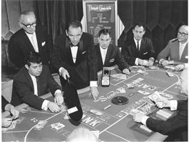 Sinatra dealing Baccarat 1959