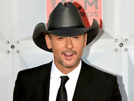 Tim McGraw Arrives in Las Vegas for the ACM Awards at the MGM Grand Garden Arena
