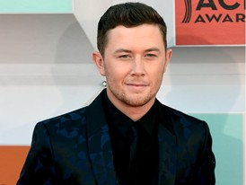 Scotty McCreery Walks the Red Carpet in Las Vegas for the ACM Awards