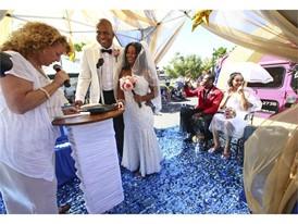 Boulder City couple exchanges vows