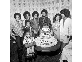 The Jackson family celebrates Michael's 16th birthday in Las Vegas